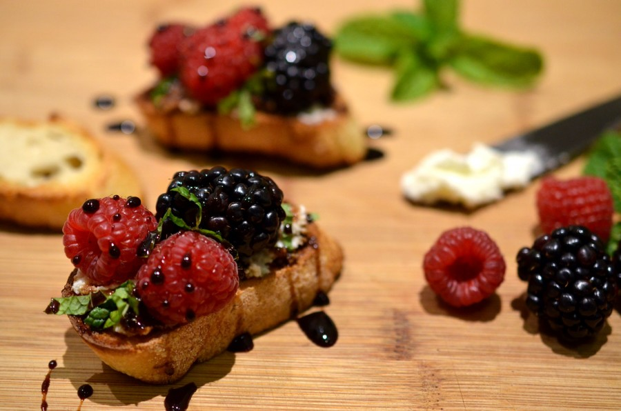 Berry & Goat Cheese Crostini