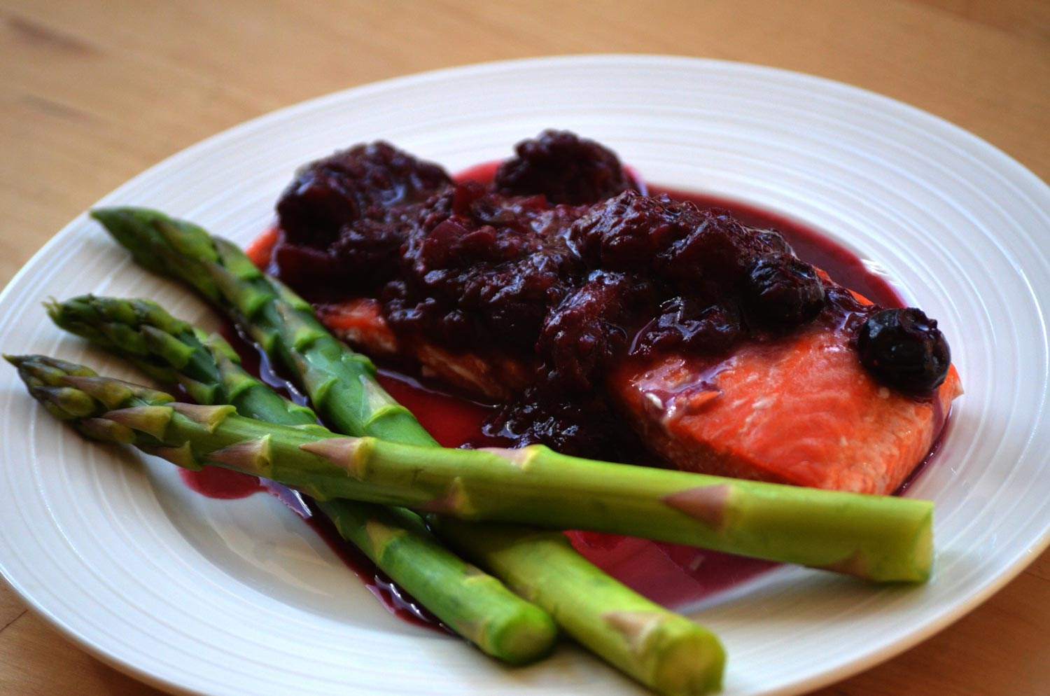 Salmon with Berry-Juniper Sauce